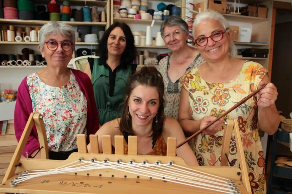 De gauche à droite : Hélène, Salomé, Apoline, Viviane et Betty
